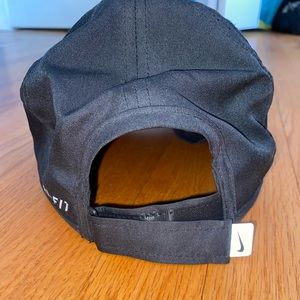 Nike Accessories - Nike dry fit hat